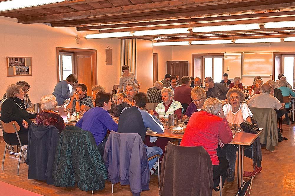 repas partage caritas gruyère